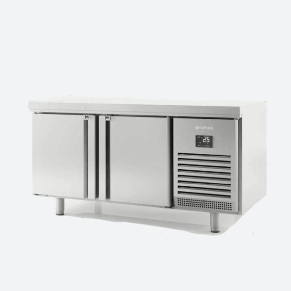Mesa refrigerada central puertas a dos caras  serie 700 gn 1-1